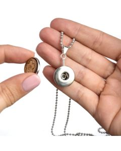 Snap Pendant: Chain for Diffusing Wood Snaps